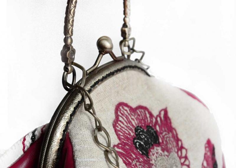 """Вышитая сумочка из домотканого полотна """"Красный цветок""""  Домотканое полотно, Искус Мастерская Теплых Подарков - фото 4"""