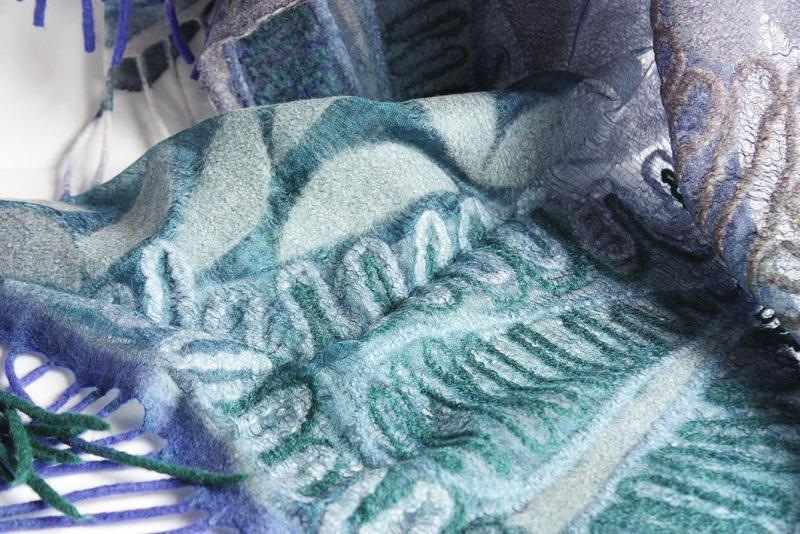 Шелковый палантин невесомый изумруд  Валяный палантин, разреже Мастерская Теплых Подарков - фото 10