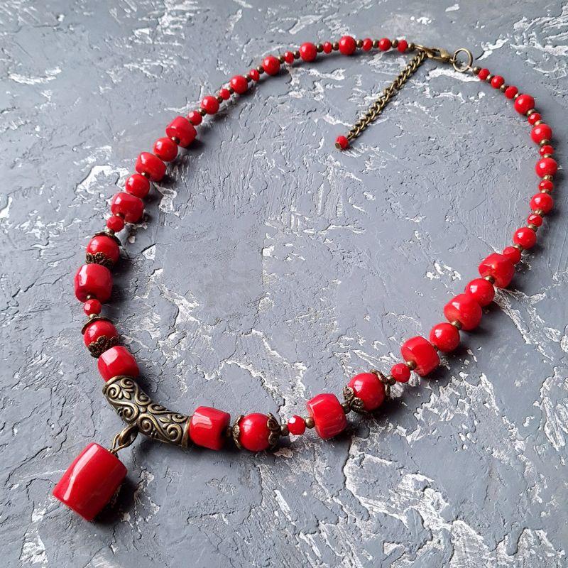 Колье с натуральными кораллами и этно орнаментом Красный натуральные кораллы, иску Гармаш Елена - фото 1