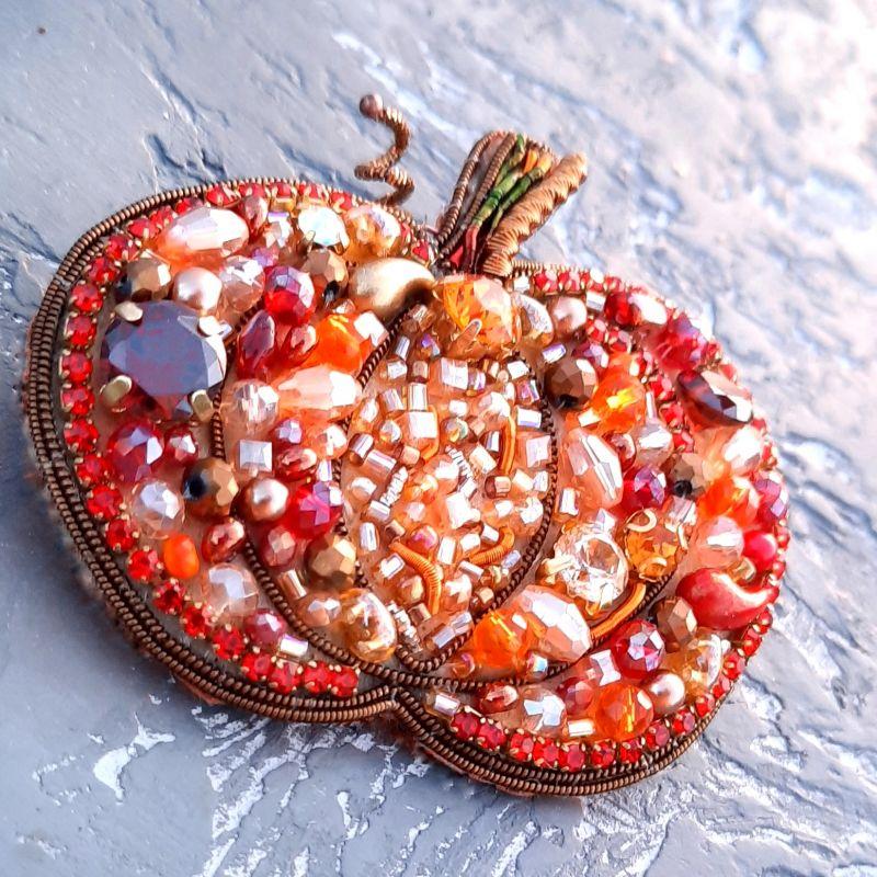 """Брошь """"Тыква"""", расшитая кристаллами Swarovski  и стразами Оранжевый кристаллы Swarovski, крис Гармаш Елена - фото 2"""