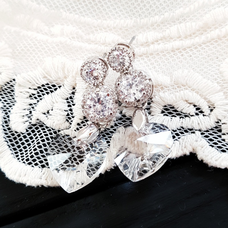Серьги с сердцами Swarovski и цирконами Белый Кристаллы Swarovski cryst Гармаш Елена - фото 3
