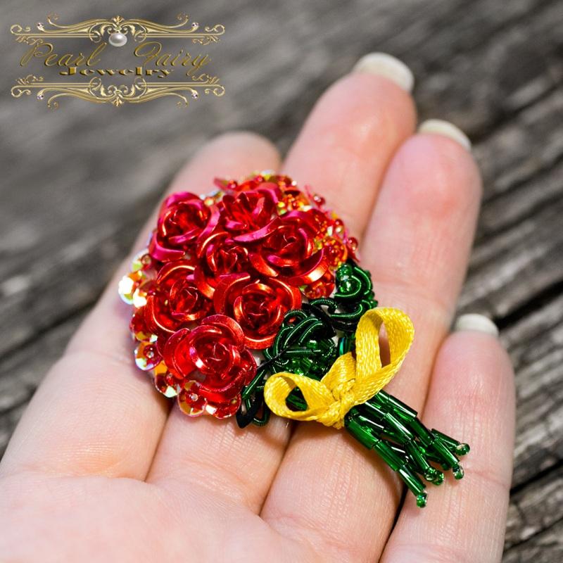 Брошь букет роз подарок любимой на 8 марта Разноцветный Розы металлические, пайет Гармаш Елена - фото 3