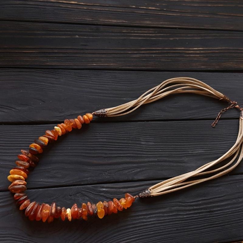 Ожерелье с большим нешлифованным натуральным янтарем Красный натуральный янтарь, метал Гармаш Елена - фото 2