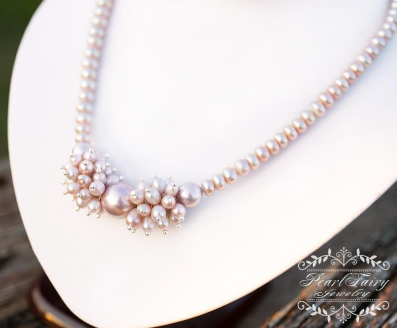Колье из натуральных лавандовых жемчуга и майолики Белый Ожерелье из натурального Гармаш Елена - фото 2