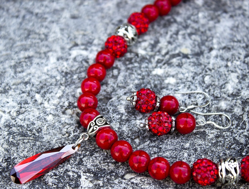 Комплект украшение колье и серьги кораллы с кристаллами Красный металлическая фурнитура, Гармаш Елена - фото 1