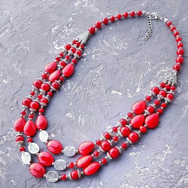 Ожерелье трехрядное кораллы и розы Красный кораллы имитация, хрустал Гармаш Елена - фото 1