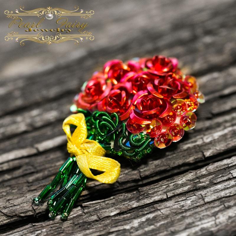 Брошь букет роз подарок любимой на 8 марта Разноцветный Розы металлические, пайет Гармаш Елена - фото 1
