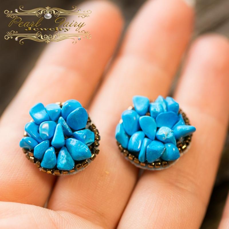 Серьги расшитые камнями, с серебряными застежками Голубой Серьги, расшитые камнями Гармаш Елена - фото 1