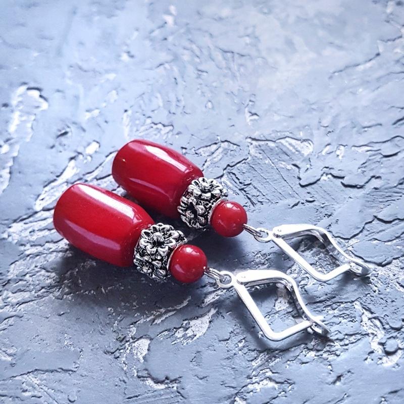 Серьги с натуральными кораллами и серебряными Красный Натуральные кораллы, мета Гармаш Елена - фото 1
