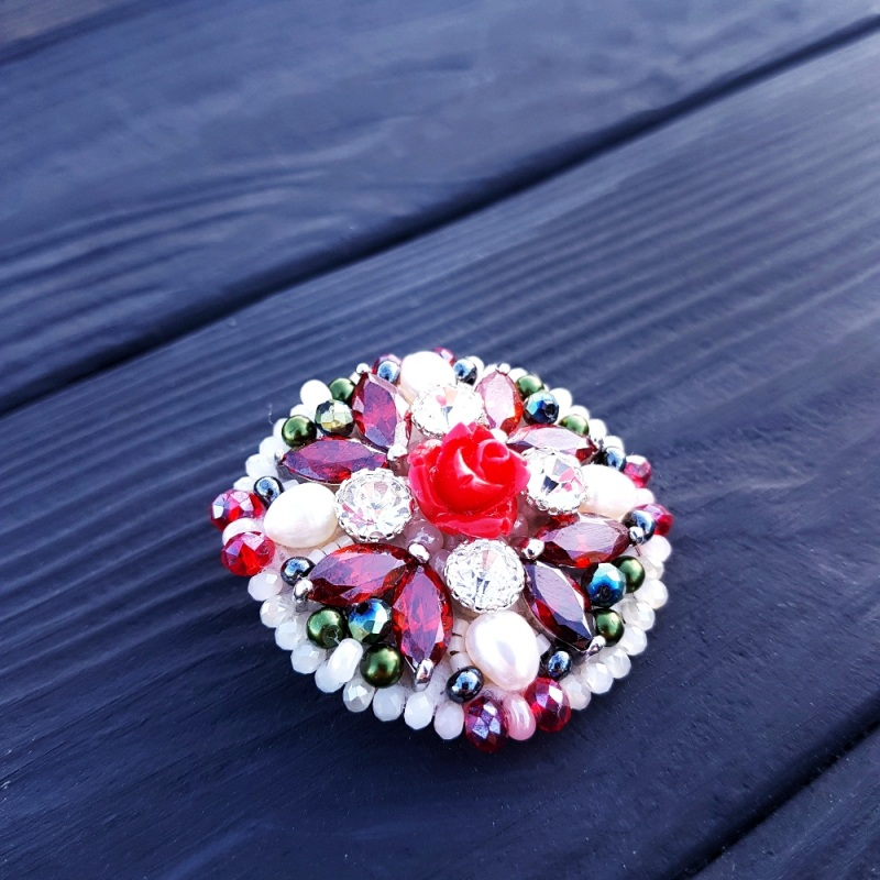 Брошь с натуральным жемчугом и кристаллами Разноцветный натуральные белый жемчуг Гармаш Елена - фото 2