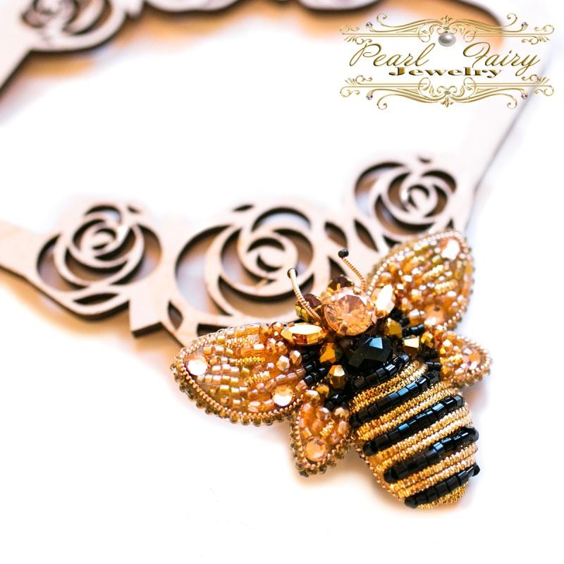 Брошь с кристаллами Swarovski пчелка Разноцветный Брошь пчела, расшитая кри Гармаш Елена - фото 2
