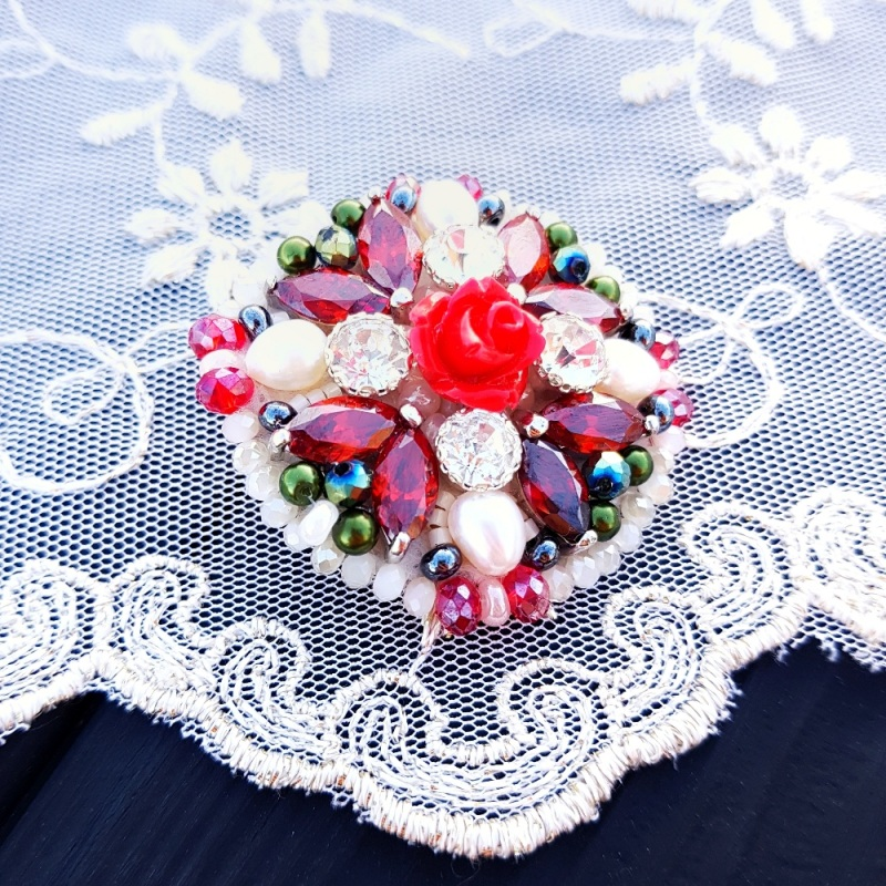 Брошь с натуральным жемчугом и кристаллами Разноцветный натуральные белый жемчуг Гармаш Елена - фото 3