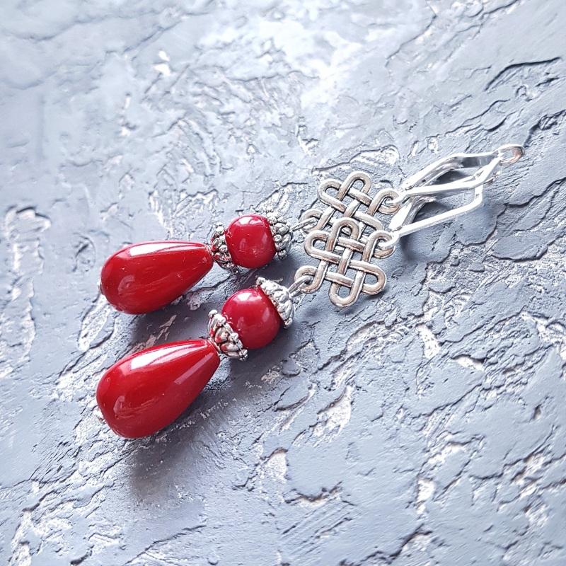 Серьги с кораллами и серебряными застежками капли с орнаментом Красный Натуральные кораллы, иску Гармаш Елена - фото 6