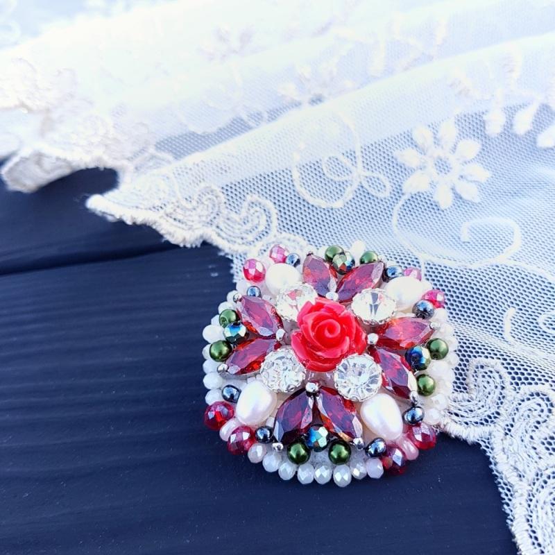 Брошь с натуральным жемчугом и кристаллами Разноцветный натуральные белый жемчуг Гармаш Елена - фото 6