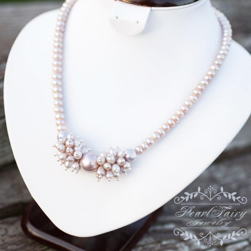 Колье из натуральных лавандовых жемчуга и майолики Белый Ожерелье из натурального Гармаш Елена - фото 1