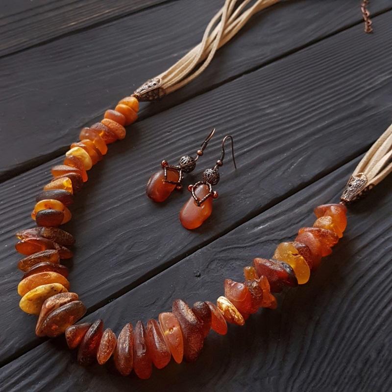 Серьги с натуральным нешлифованным янтарем Красный натуральный янтарь, метал Гармаш Елена - фото 5