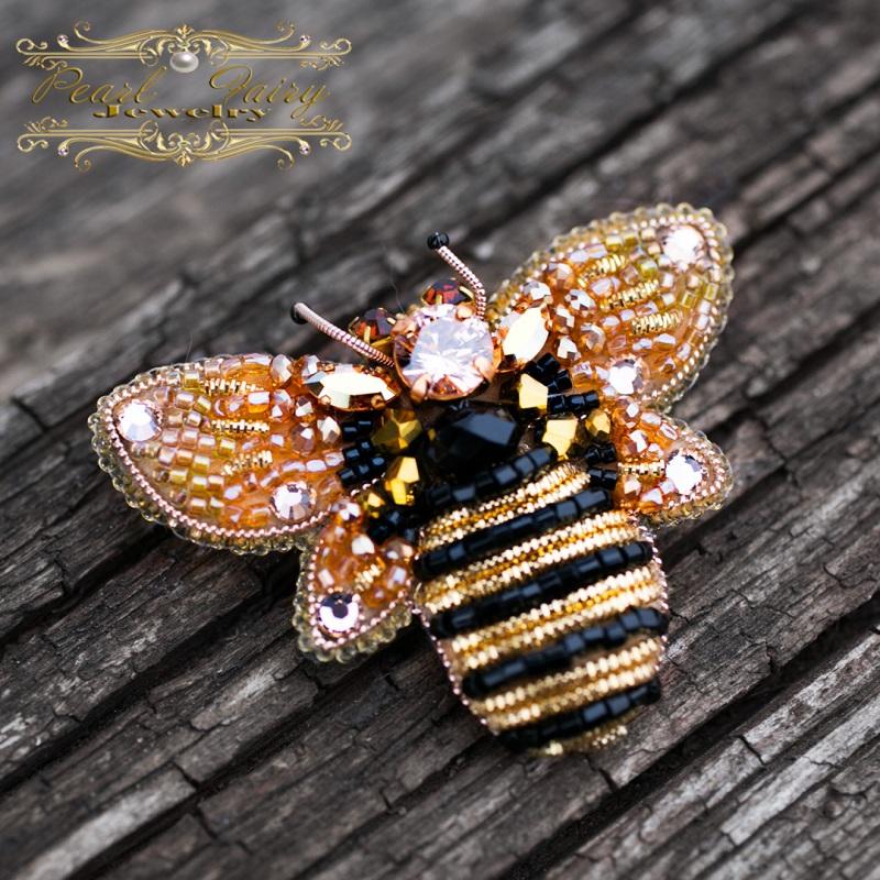 Брошь с кристаллами Swarovski пчелка Разноцветный Брошь пчела, расшитая кри Гармаш Елена - фото 1