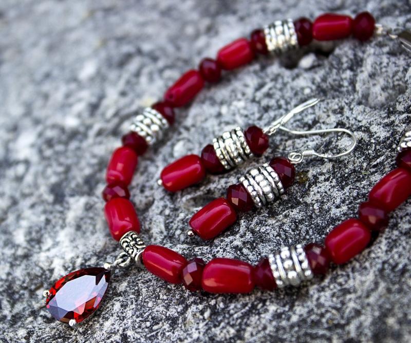 Комплект натуральный коралл браслет и серьги Красный натуральный коралл, метал Гармаш Елена - фото 1