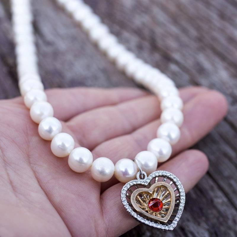 Колье из натурального жемчуга сердце с красным цирконом Белый натуральный жемчуг, метал Гармаш Елена - фото 1