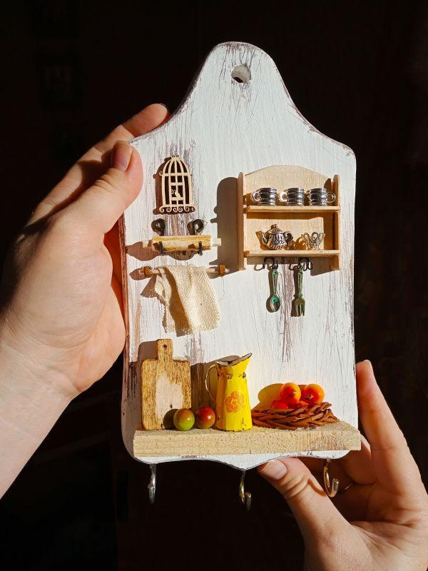 """Полотенечница (вешалка, ключница) в стиле миниатюра """"Сердце дома""""  Деревянная доска, акрилов Герасименко Юлия - фото 1"""