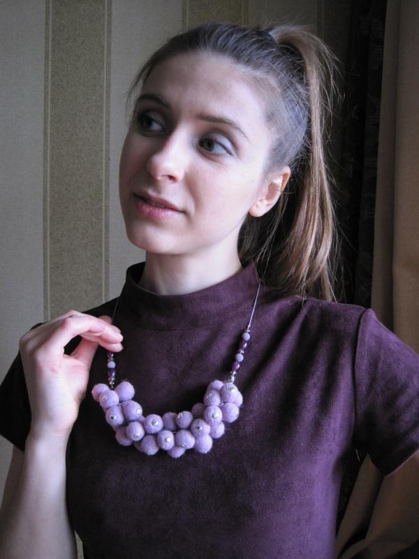 """Ожерелье войлочное """"Сиреневое гроздь"""" Фиолетовый Шерсть, стеклянные бусины Гуменюк Елена - фото 5"""