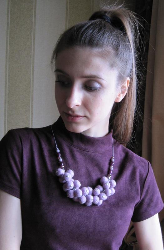 """Ожерелье войлочное """"Сиреневое гроздь"""" Фиолетовый Шерсть, стеклянные бусины Гуменюк Елена - фото 4"""