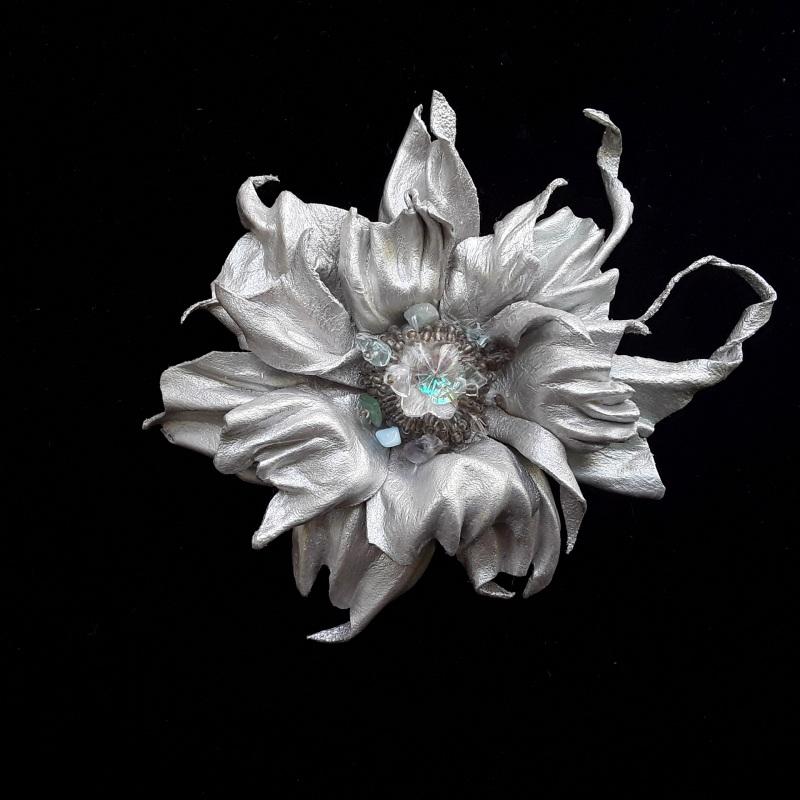 Брошь Серебряная цветок Серый Брошь-заколка из натураль Гушинец Галина - фото 3