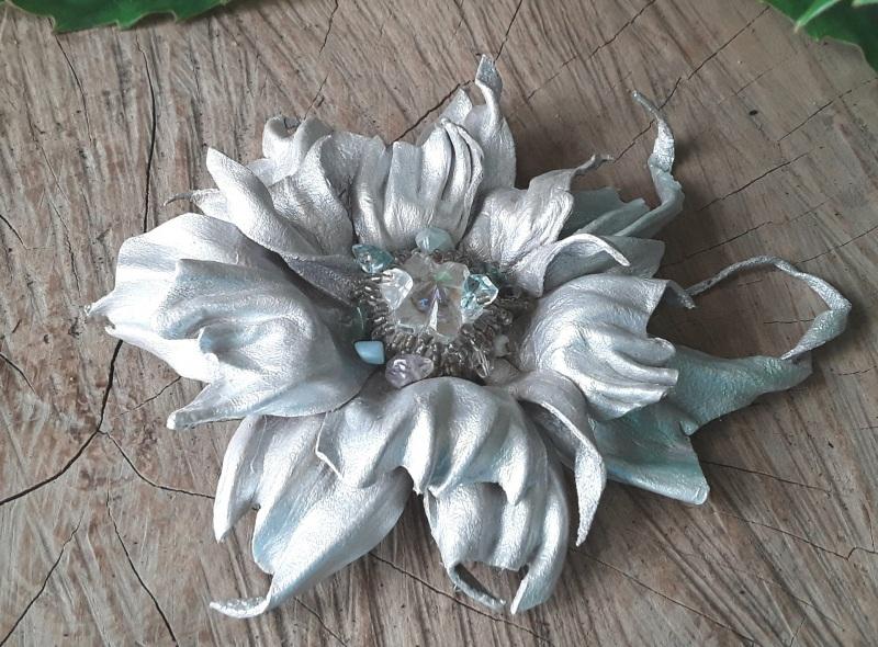 Брошь Серебряная цветок Серый Брошь-заколка из натураль Гушинец Галина - фото 5