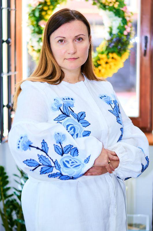 Платье белого цвета с  вышивкой яркие синие цветы Белый Натуральный льон, кружево Колода Людмила - фото 3