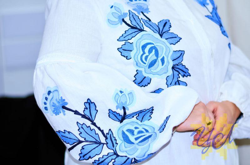 Платье белого цвета с  вышивкой яркие синие цветы Белый Натуральный льон, кружево Колода Людмила - фото 4