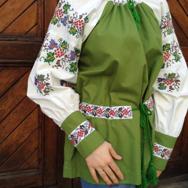 Рубашка зеленая с ручной вышивкой виноград Зеленый ручная вышивка крестиком Колода Людмила - фото 2