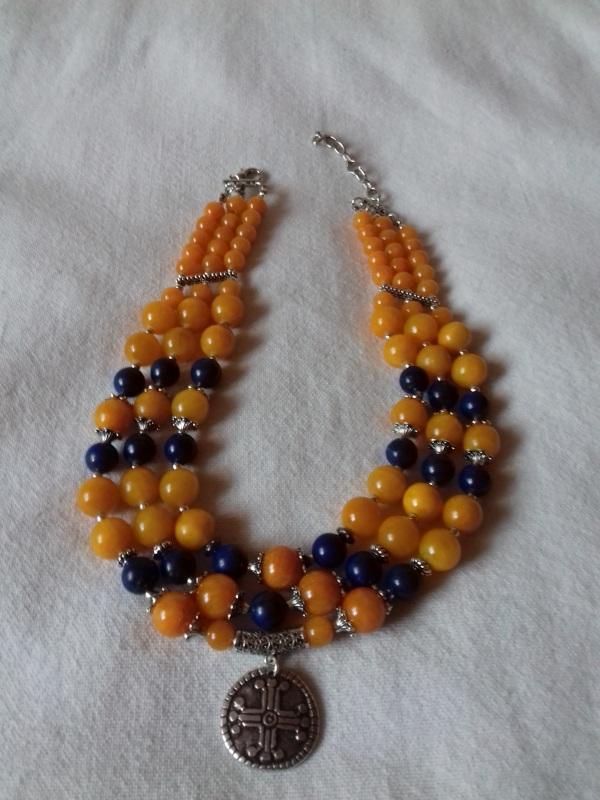 Патриотическое ожерелье на 3 ряда с кулоном Разноцветный синий лазурит, желтая янт Колода Людмила - фото 5