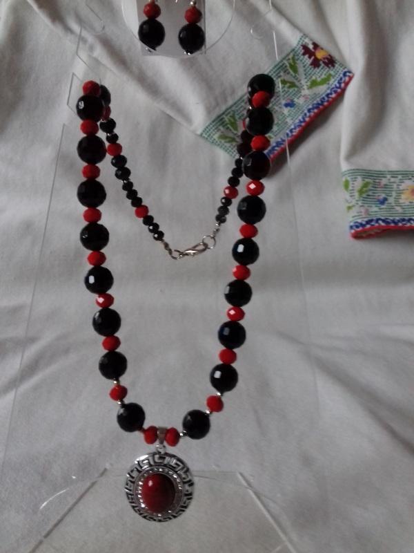 Комплект ожерелье и серьги красно черные с подвеской Разноцветный агат Колода Людмила - фото 4
