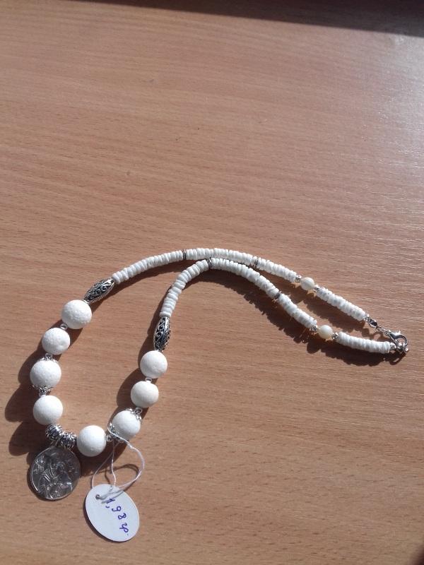 Ожерелье из белого коралла с серебряной подвеской Белый коралл белый круглый сере Колода Людмила - фото 4