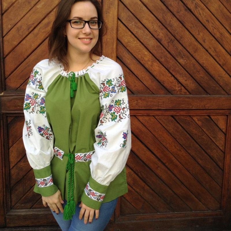 Рубашка зеленая с ручной вышивкой виноград Зеленый ручная вышивка крестиком Колода Людмила - фото 1
