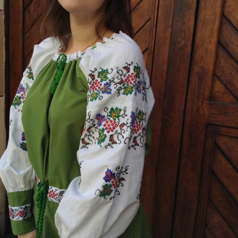 Рубашка зеленая с ручной вышивкой виноград Зеленый ручная вышивка крестиком Колода Людмила - фото 6