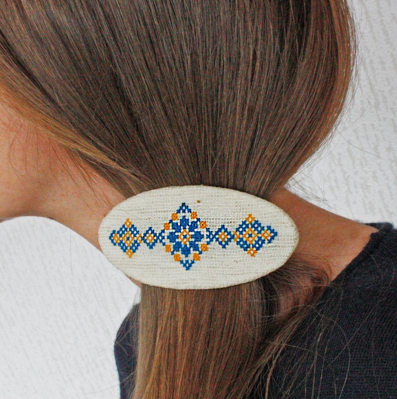 Большой кулон на цепочке сине желтый Украинские украшения под вышиванку Белый Ручная вышивка, бусины ко Коцкулич Татьяна - фото 5