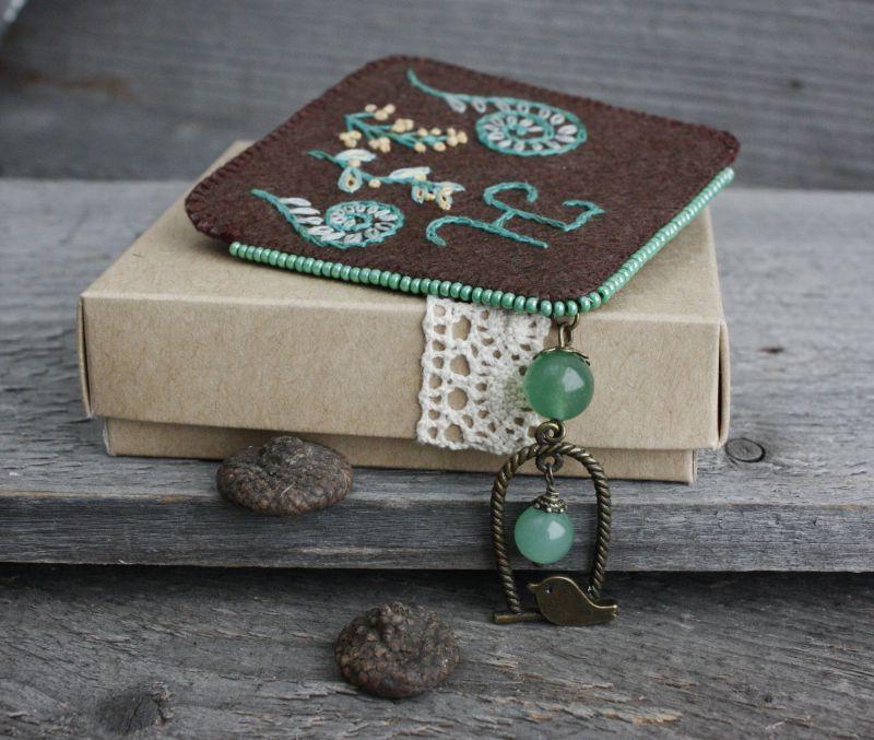 Необычная закладка для книг с нефритом Именной подарок для девушки на 8 марта Подарок для мамы  ручная вышивка, бусины не Коцкулич Татьяна - фото 5