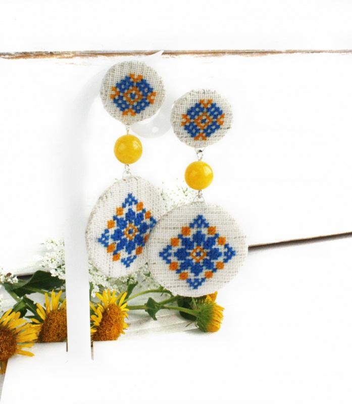 Длинные серьги-гвоздики сине-желтые к вышиванке Разноцветный посеребренные швензы, лен Коцкулич Татьяна - фото 1