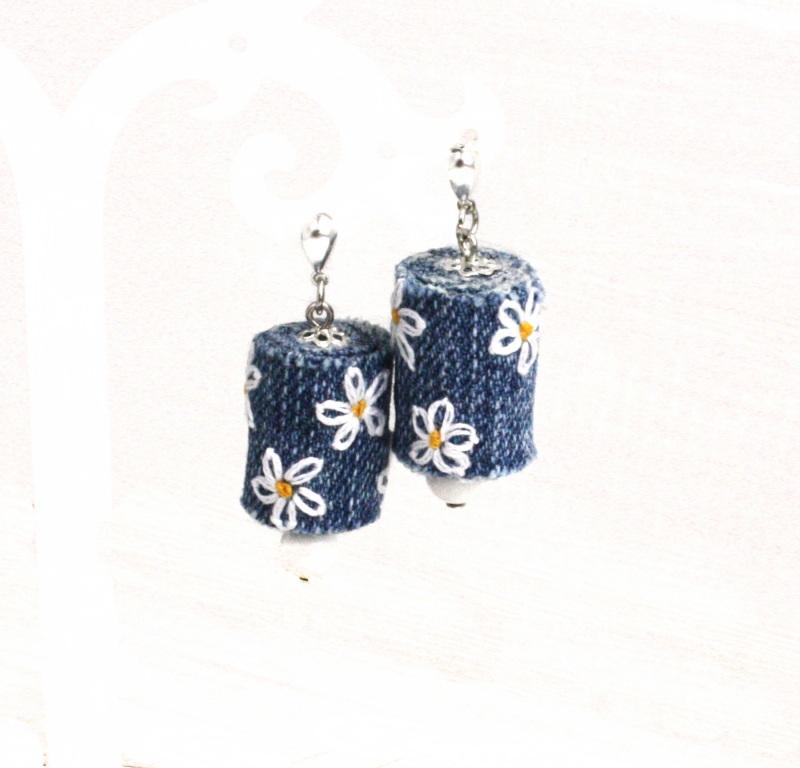 Серьги под джинсы с ромашками, ручная вышивка, говлит Синий посеребренные швензы-гвоз Коцкулич Татьяна - фото 1