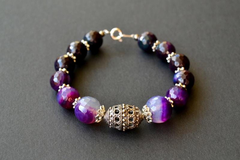 Браслет из агата и серебряной бусины Фиолетовый Агат, серебро 925 пробы, Куличенко Ирина - фото 1