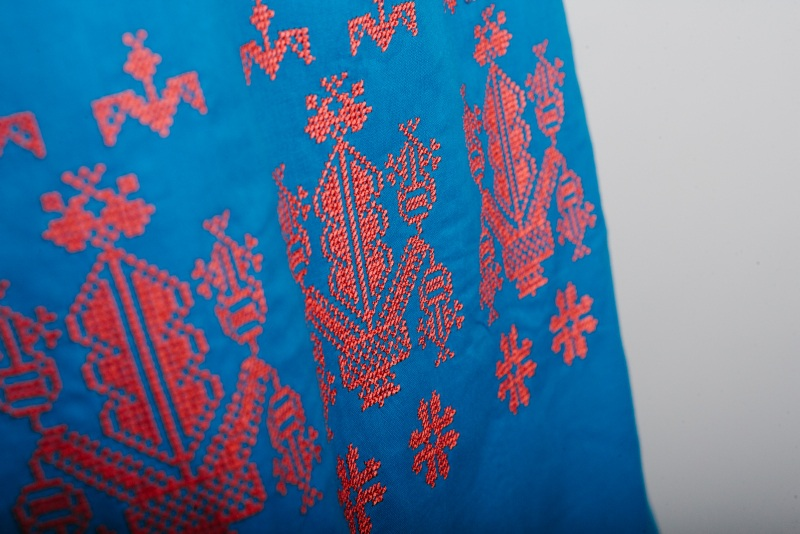 Сарафан вышитый голубой Голубой батист Zirka Levytska - фото 3