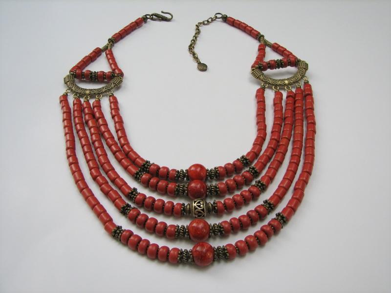 Ожерелье керамическое с бусинами губчатого коралла Красный керамика, коралл губчатый Матвиив Оксана - фото 1