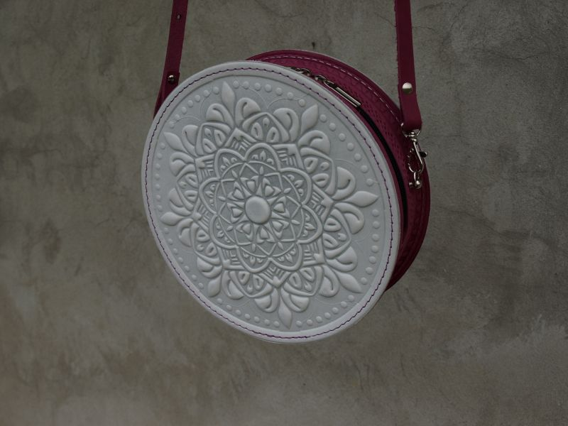 Круглая кожаная сумочка Орео Белый кожа Менчак Ирина - фото 1