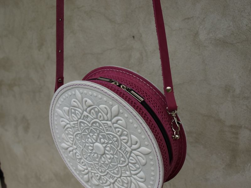 Круглая кожаная сумочка Орео Белый кожа Менчак Ирина - фото 2
