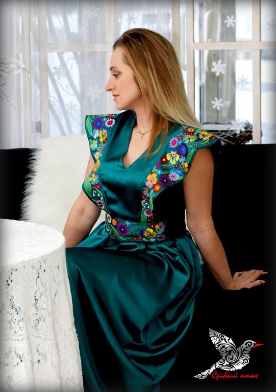 """Платье """"Изумруды"""" Зеленый атлас, вышивка - шелк Студия вышивки """"Срібний птах"""" - фото 8"""