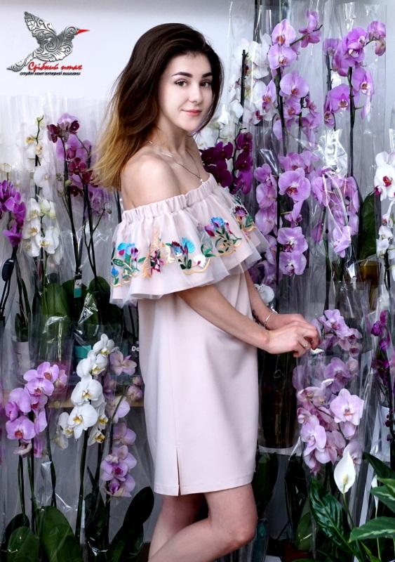 """Платье с воланом """"Ника""""  костюмная ткань, евросетк Студия вышивки """"Срібний птах"""" - фото 1"""