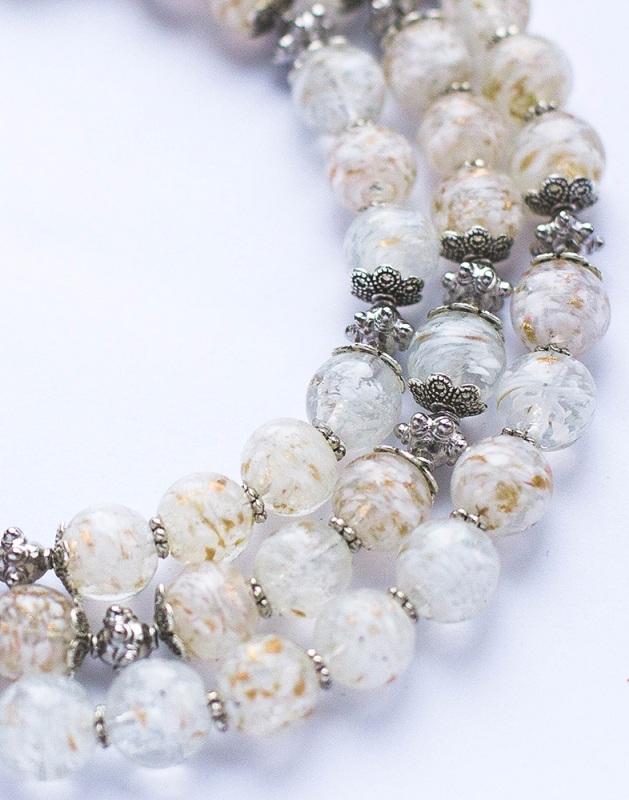 Снежная королева Белый Стеклянные бусины, фурнит Наугольник Данута - фото 3