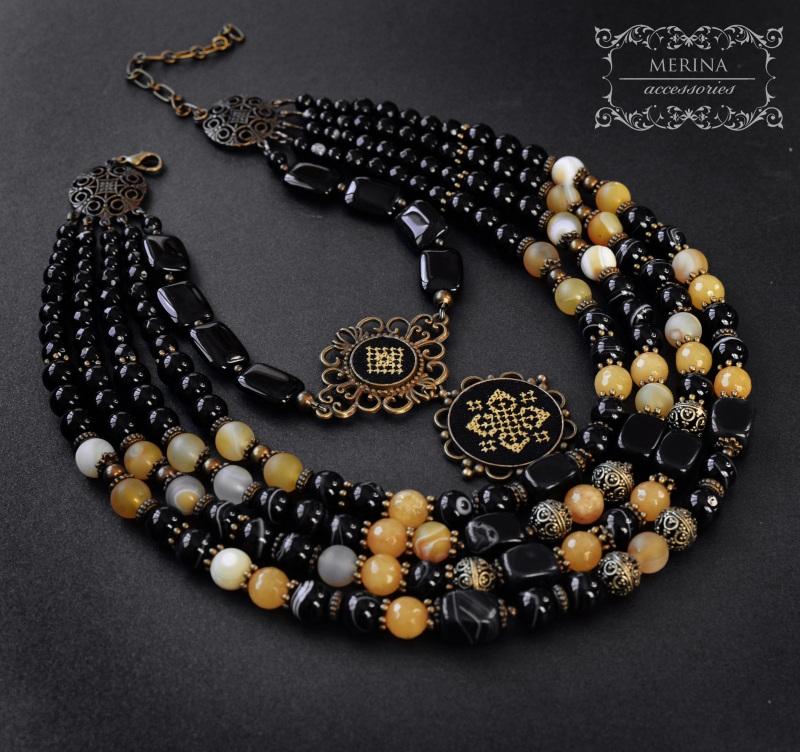Ожерелье с вышитым дукатом Звездная ночь Черный агат Негрич Инна - фото 1