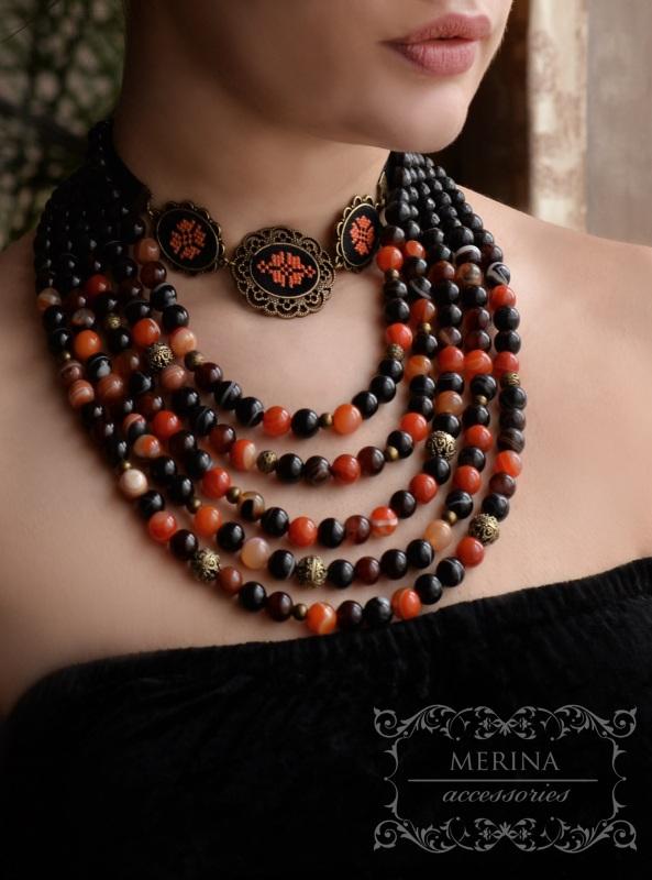 Ожерелье с вышитым чокером Лунная ночь Разноцветный агат, сердолик Негрич Инна - фото 1